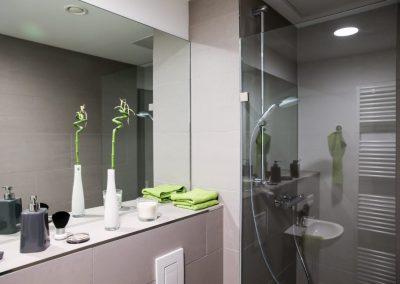 Badezimmer - Stuart Student Apartments